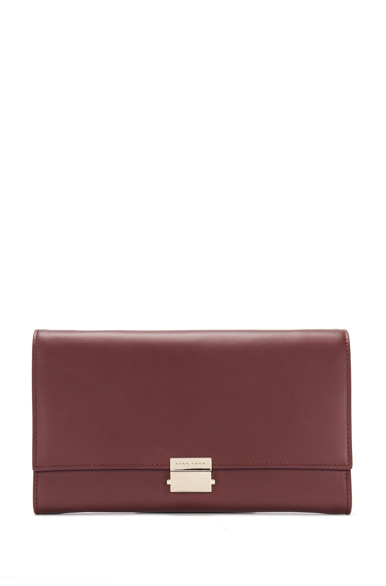 Plain-coloured leather clutch bag with metal chain: 'Munich Mini-M'