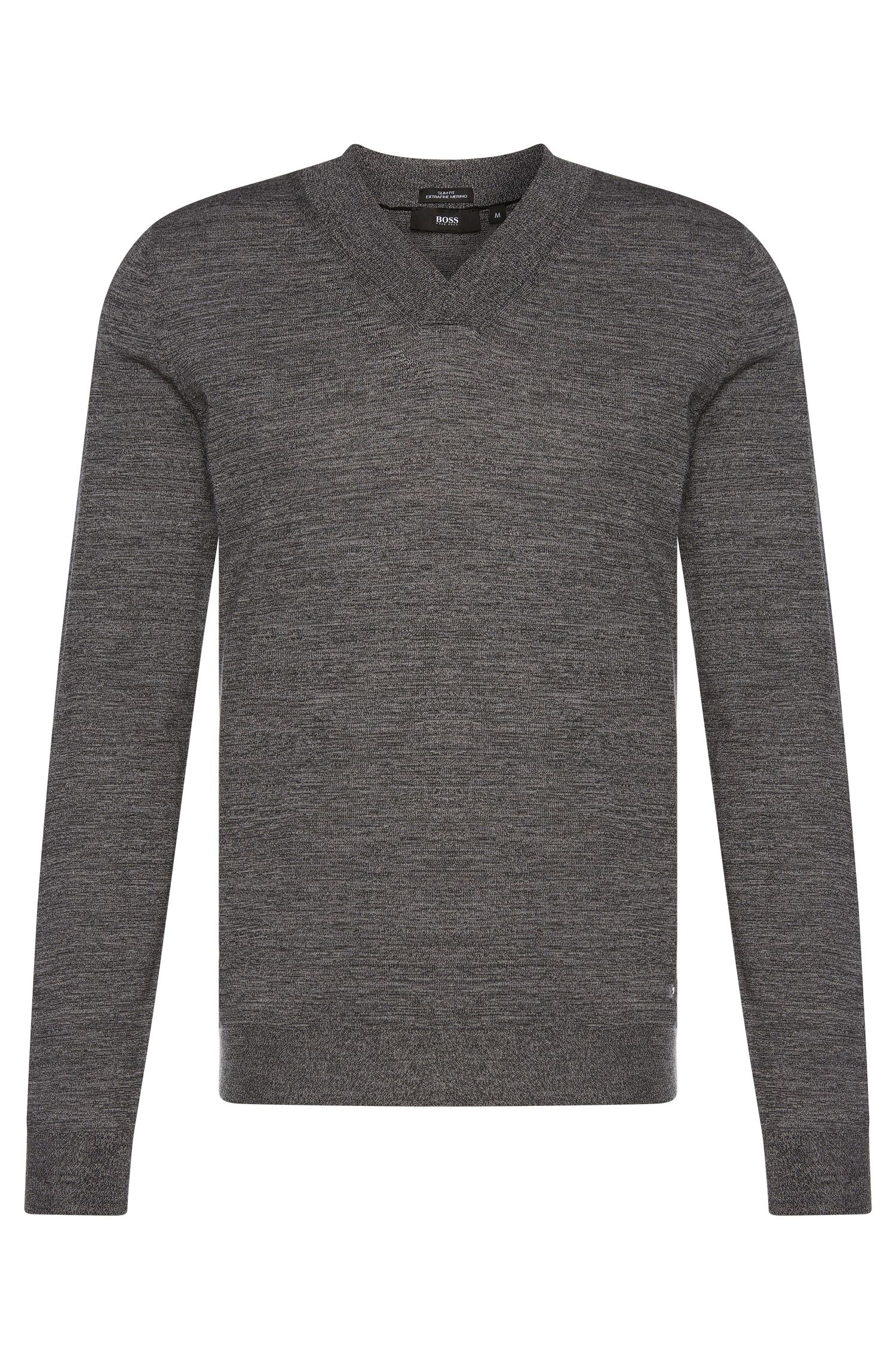 Slim-fit sweater with V-neck in new wool: 'Ice'