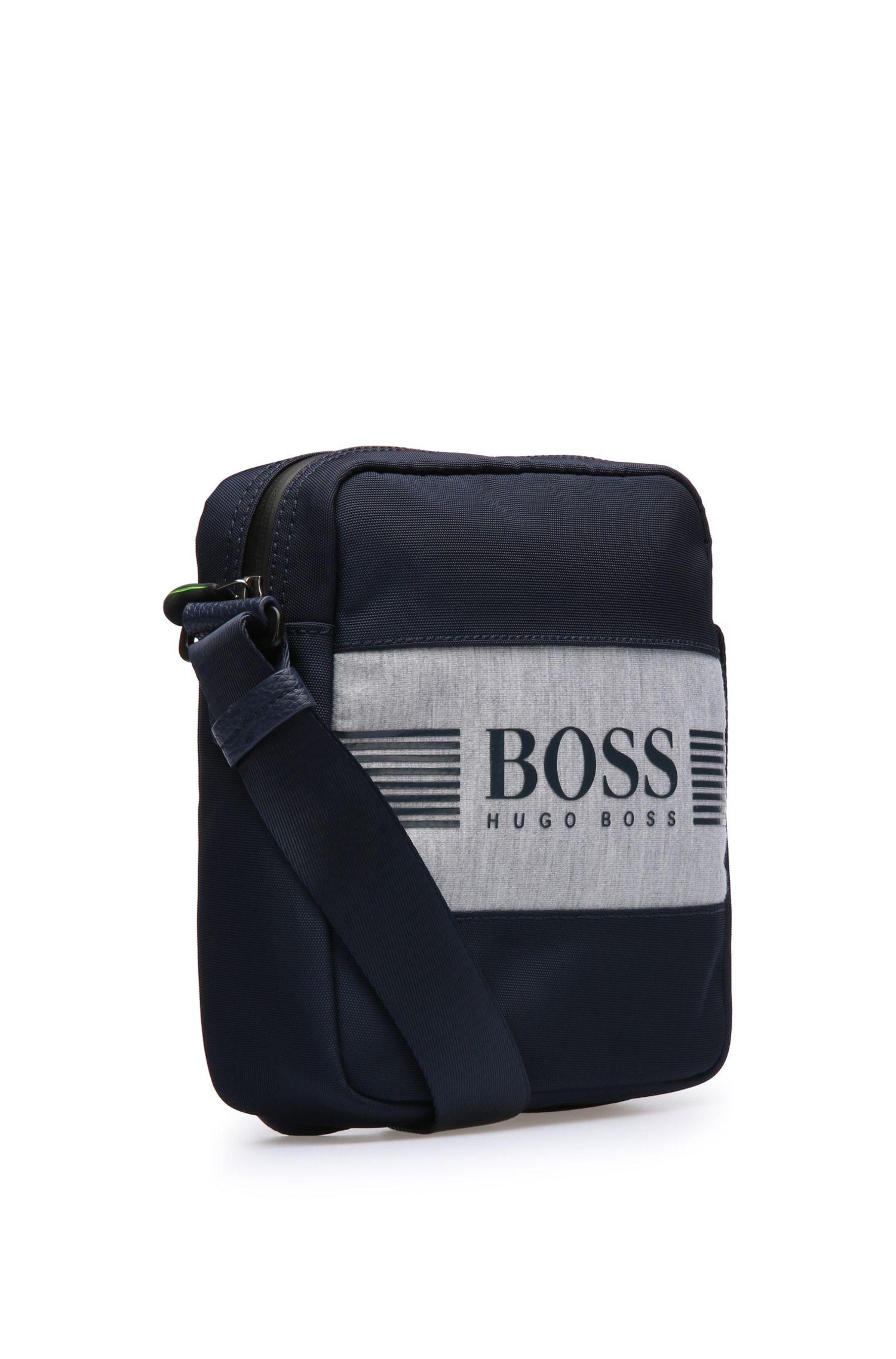 Reporter Bag aus Material-Mix im Logo-Look: ´Pixel JNS zip`