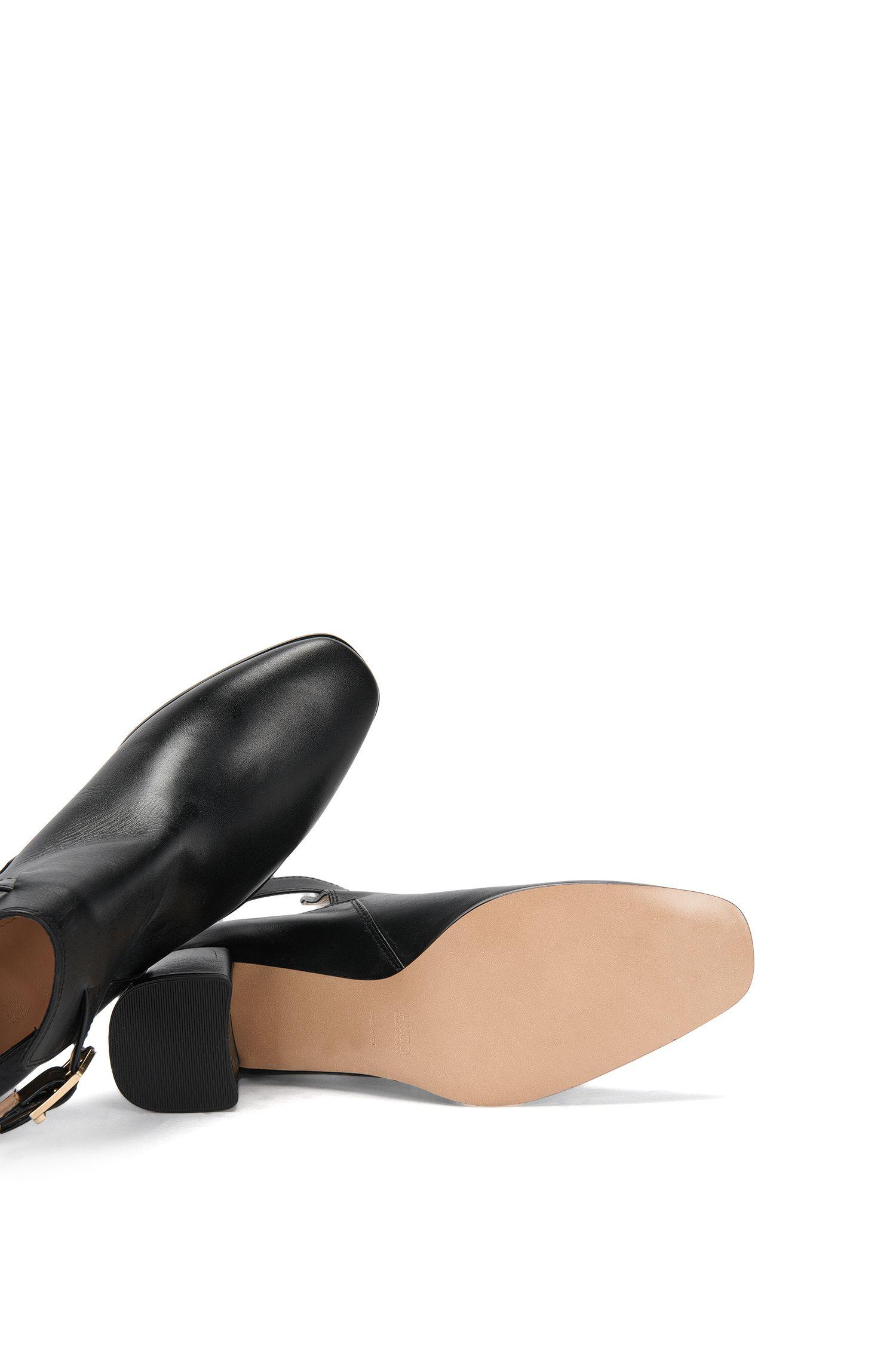 Escarpins en cuir de coupe montante sur le devant avec talon bottier: «Gypsy»