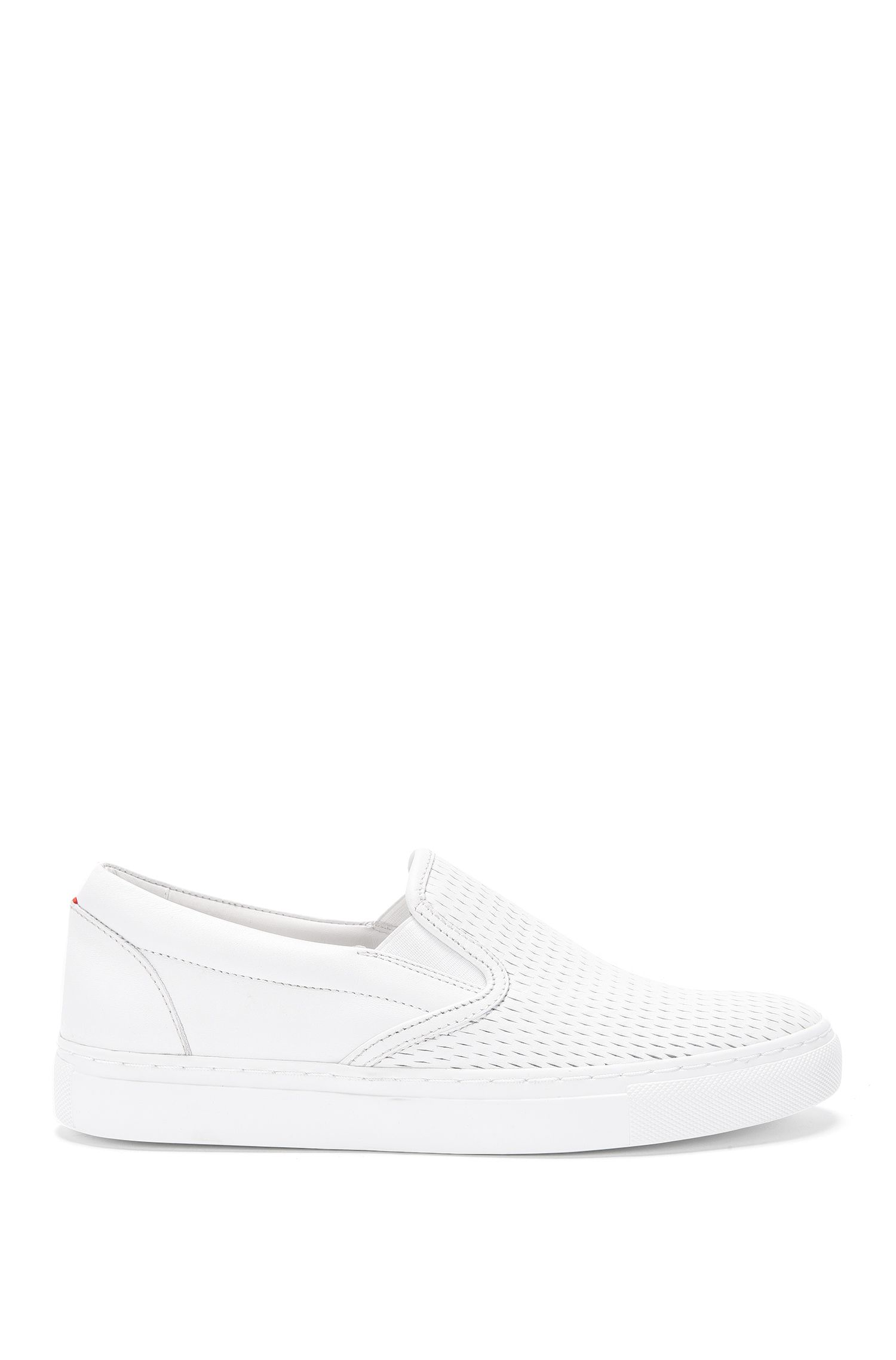 Veterloze sneakers van geperforeerd leer: 'Chloe-P'