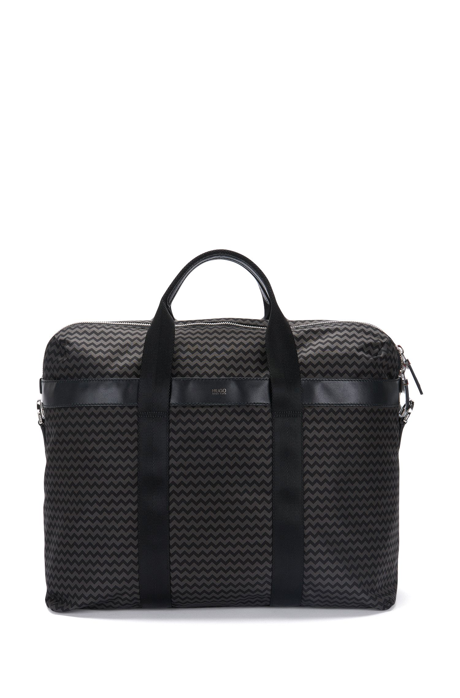 Weekender with leather details and chevron print: 'Digital L_H hold P'