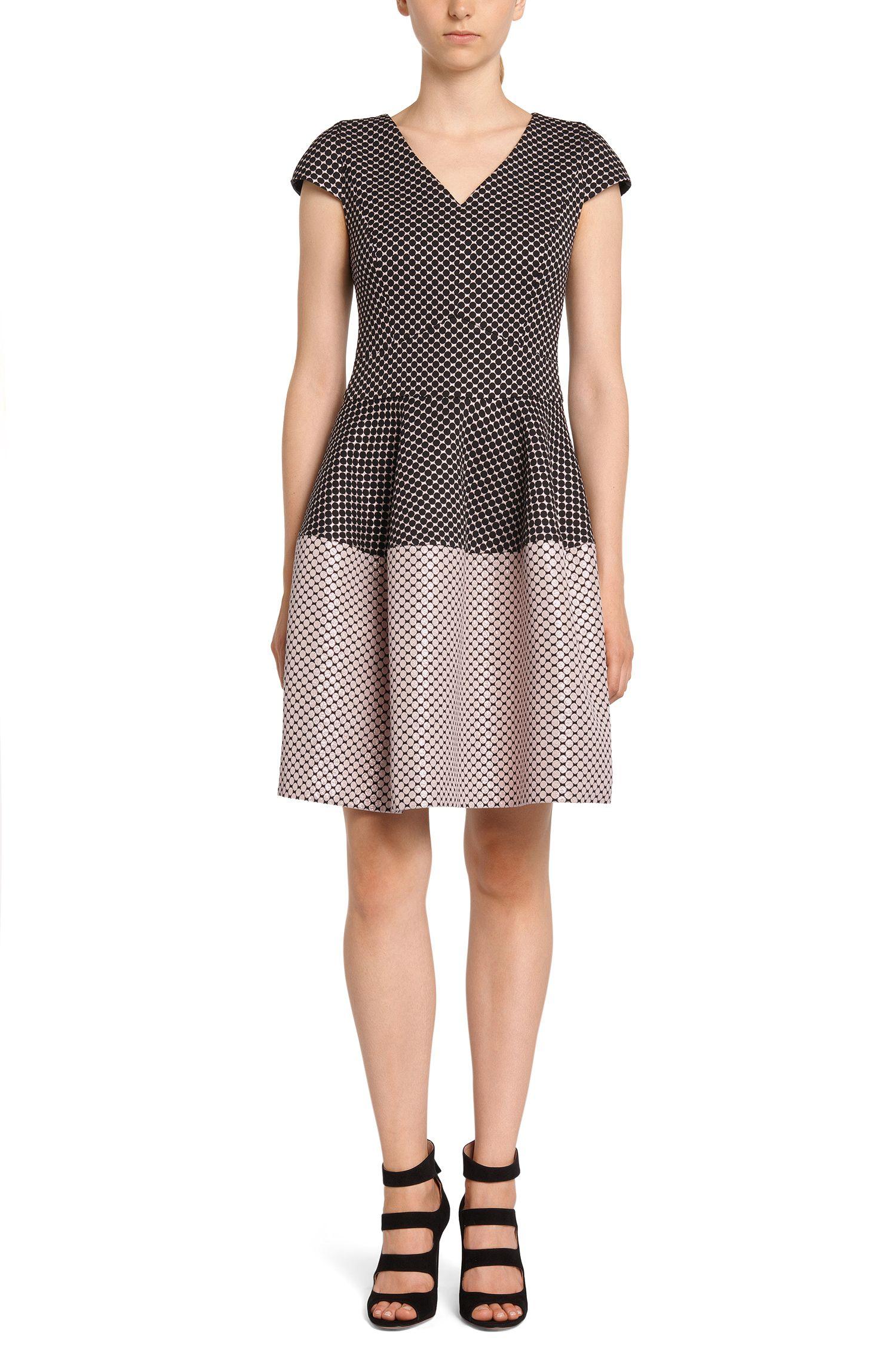 Kleid im gepunkteten Dessin: 'Konelly'