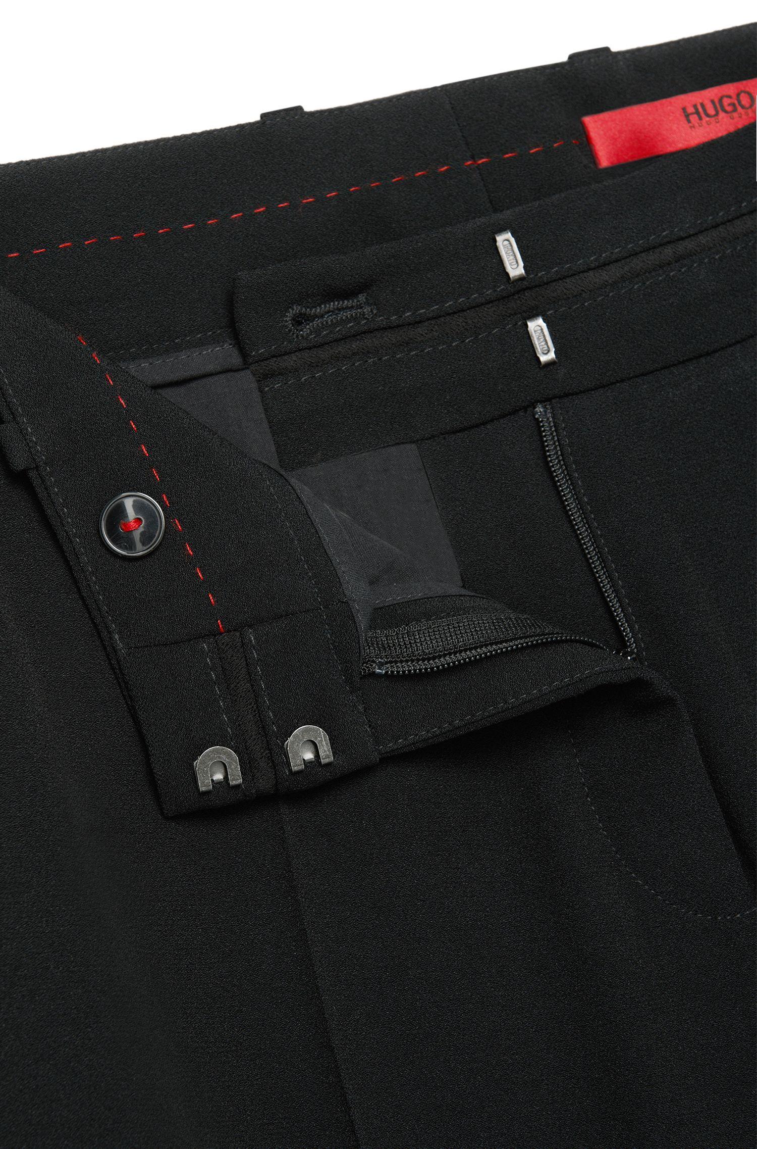 Gerade geschnittene Hose mit Bügelfalten: 'Halune'