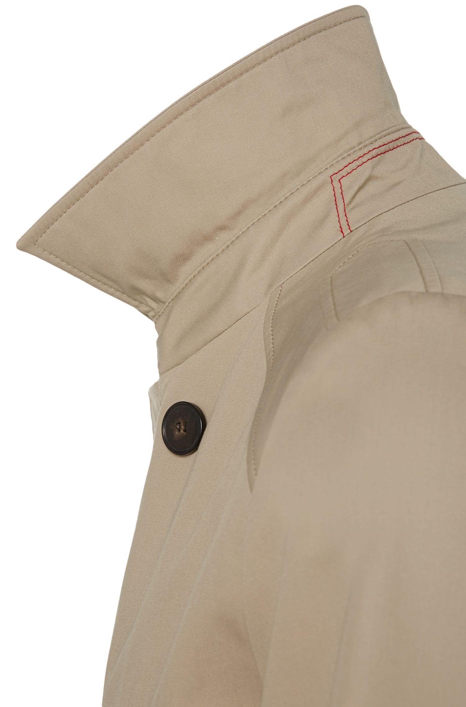 Wasserabweisender Regular-Fit Trenchcoat mit einseitigem Schulterkoller: 'C-Melgono'