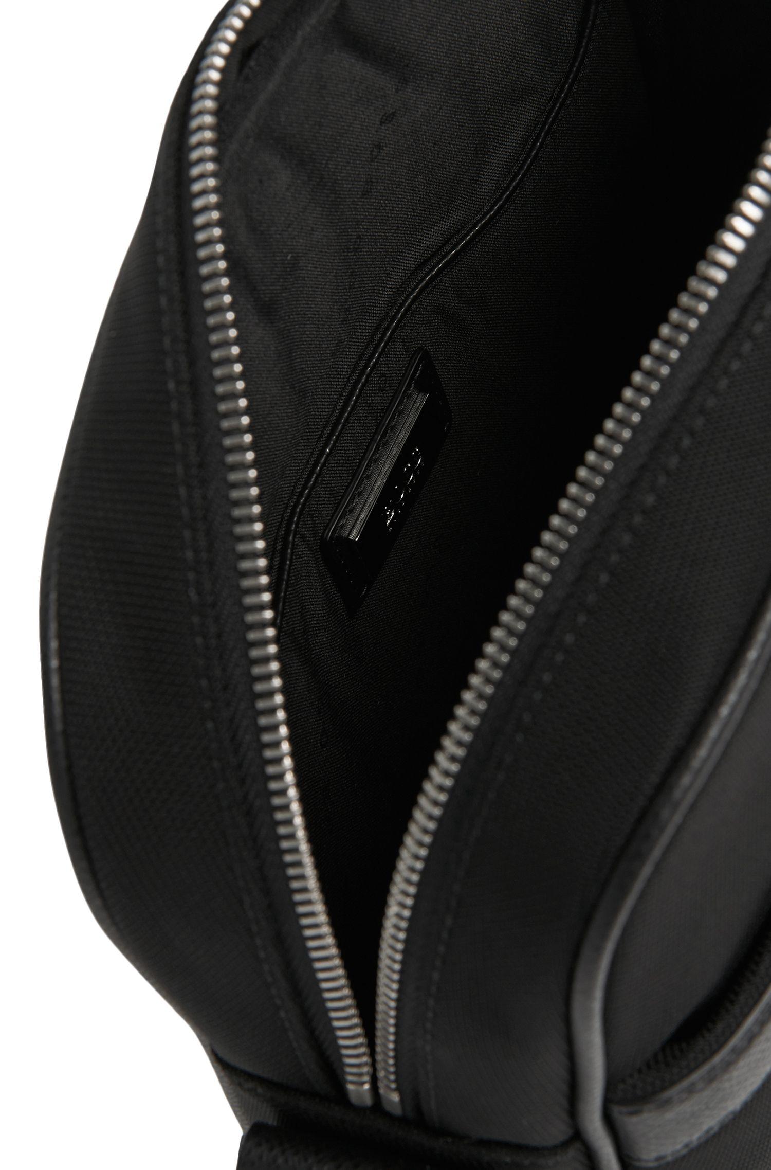 Umhängetasche mit Leder-Details: 'Signature L_NS zip'