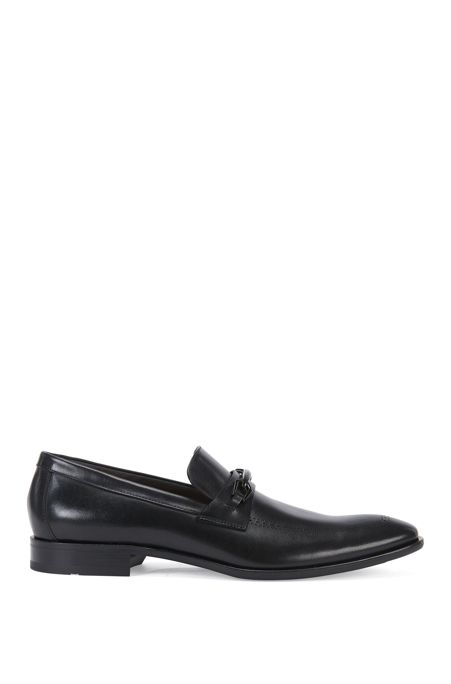 Leather loafers with perforated pattern: 'Chelsea_Loaf_apls'