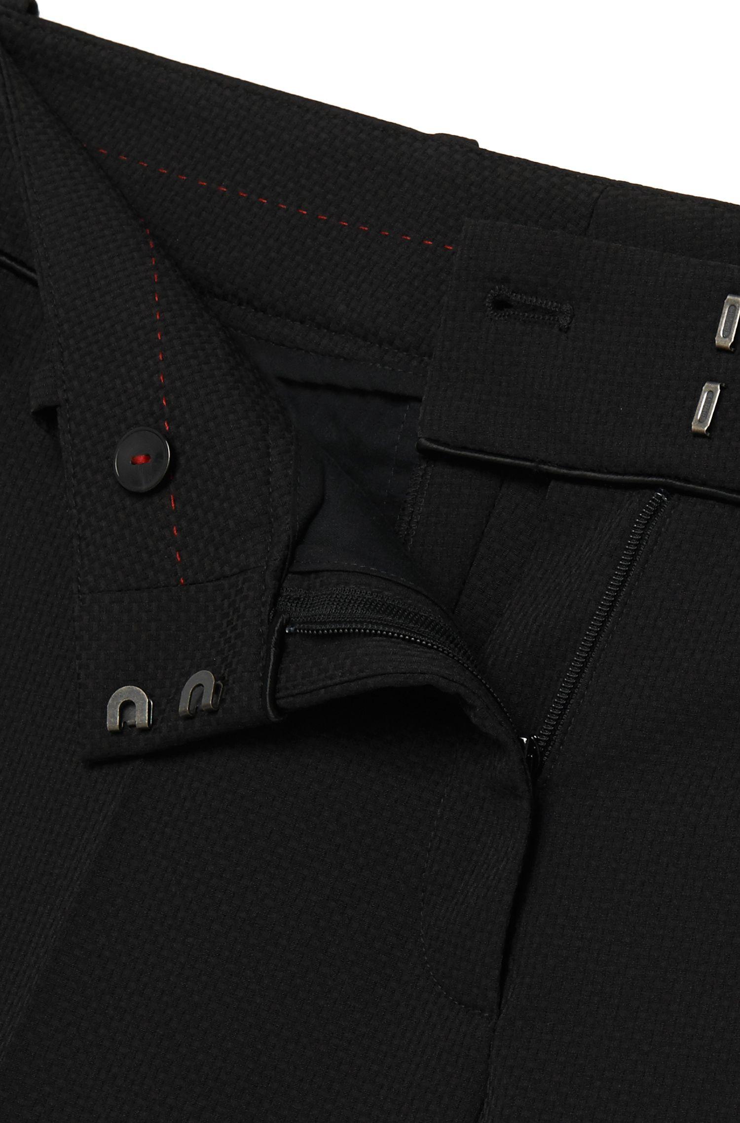 Pantalon structuré à plis marqués: «Haluny»