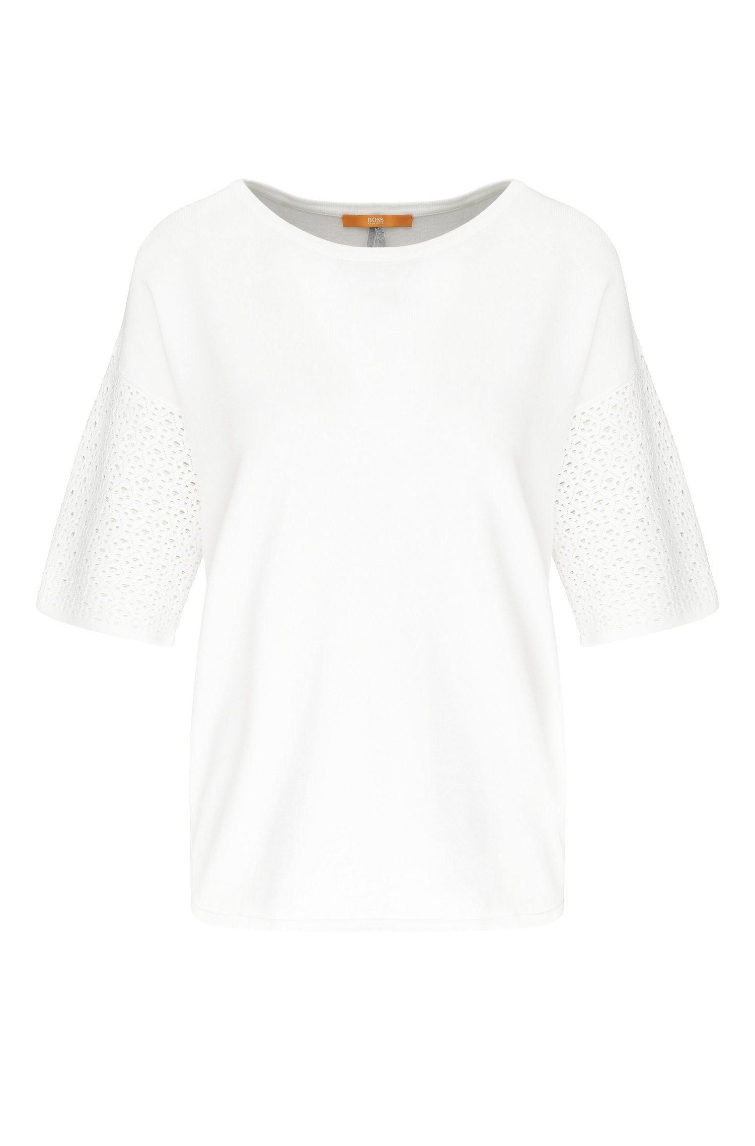 Relaxed-Fit T-Shirt aus Material-Mix mit Lochmaschen: ´Wittoria`