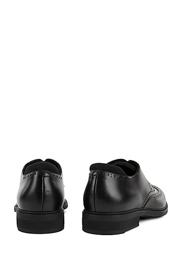带Outlast®衬里的牛皮革拷花德比鞋,  001_黑色