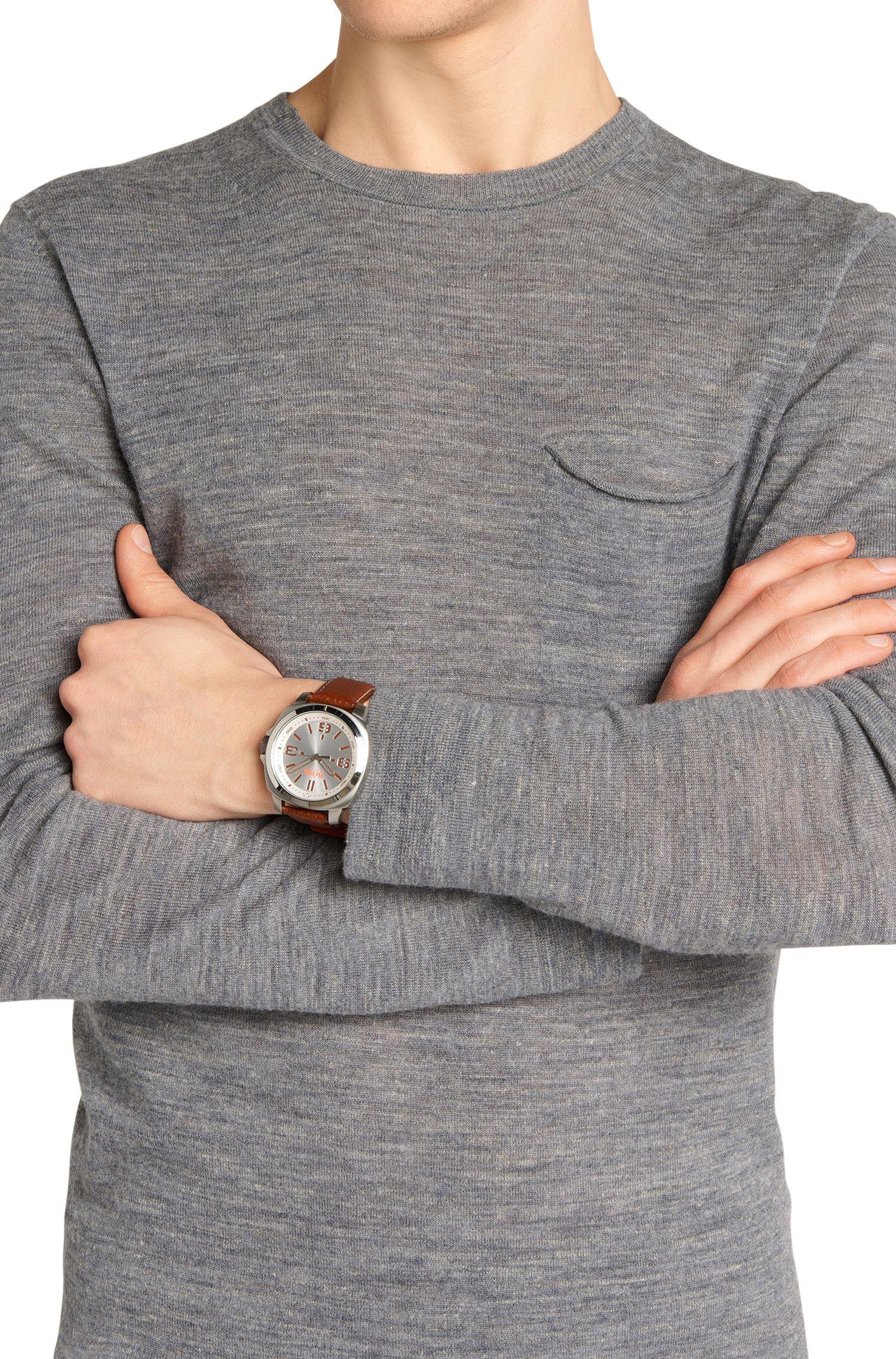 Horloge met drie wijzers, kast van roestvrij staal en leren polsband: 'HB2281'