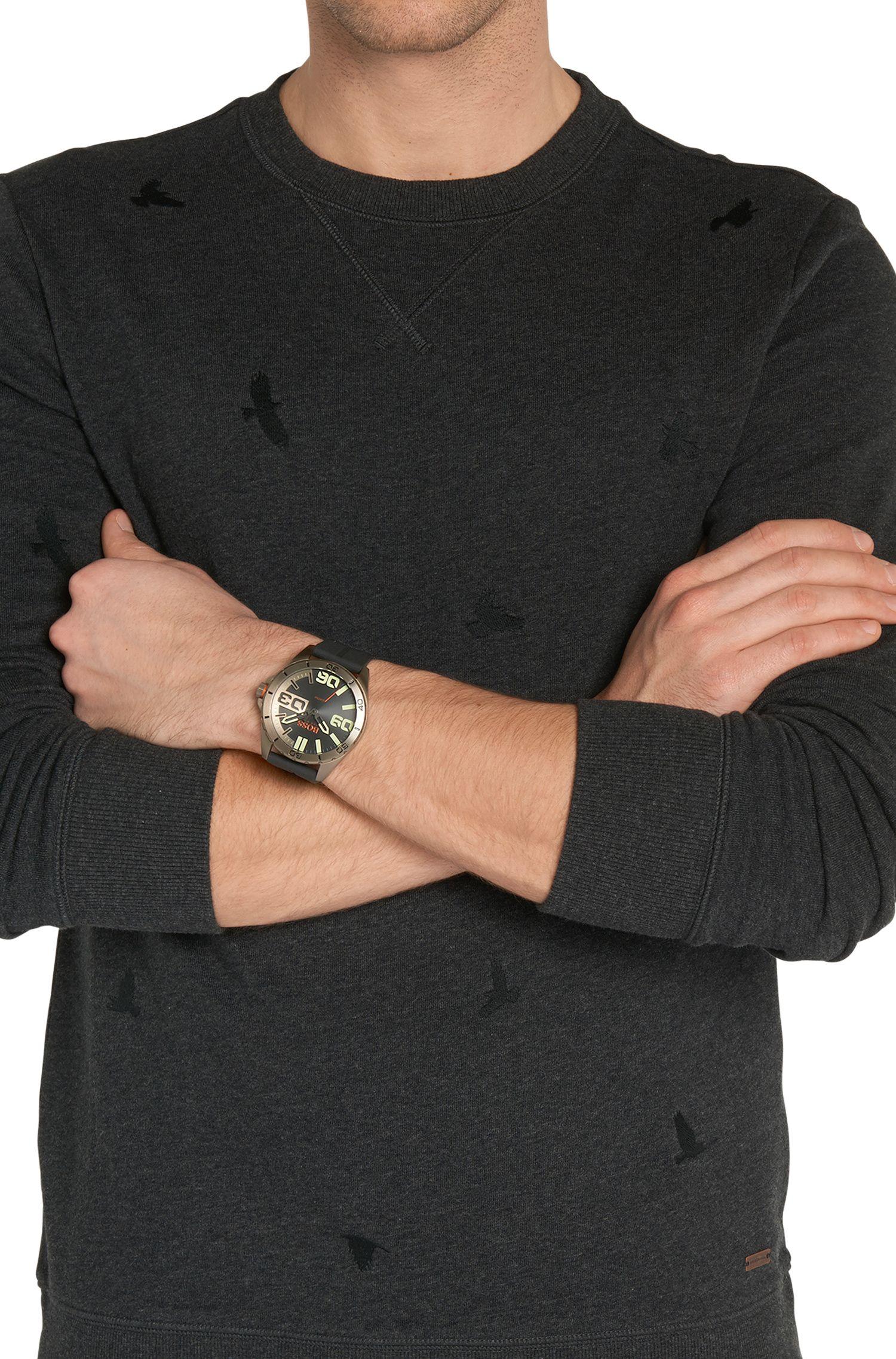 Montre-bracelet dotée d'un boîtier en acier inox plaqué: «HOBERLI»