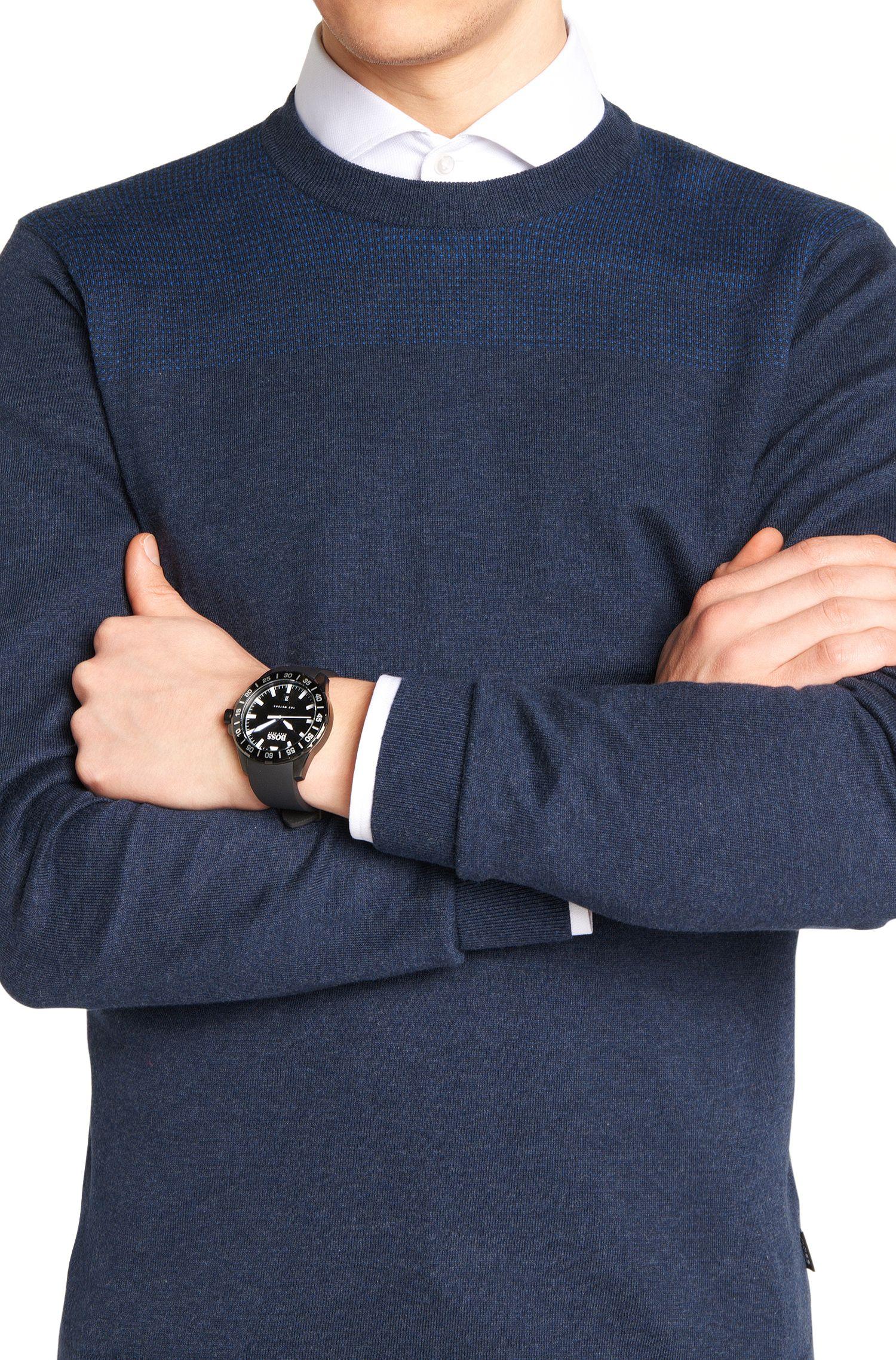 Armbanduhr mit Edelstahlgehäuse und zentraler Sekunde: 'HB2711'