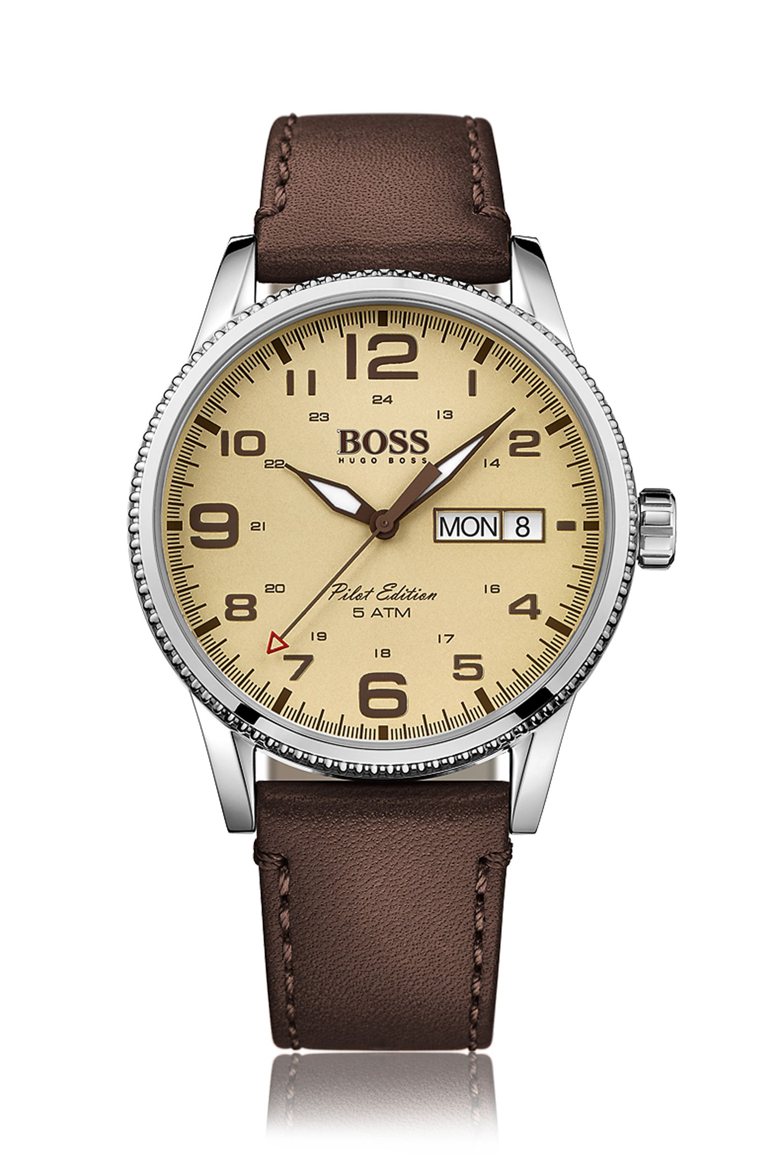 Wristwatch with a quartz movement and central second hand with a leather strap: 'Pilot Vintage'