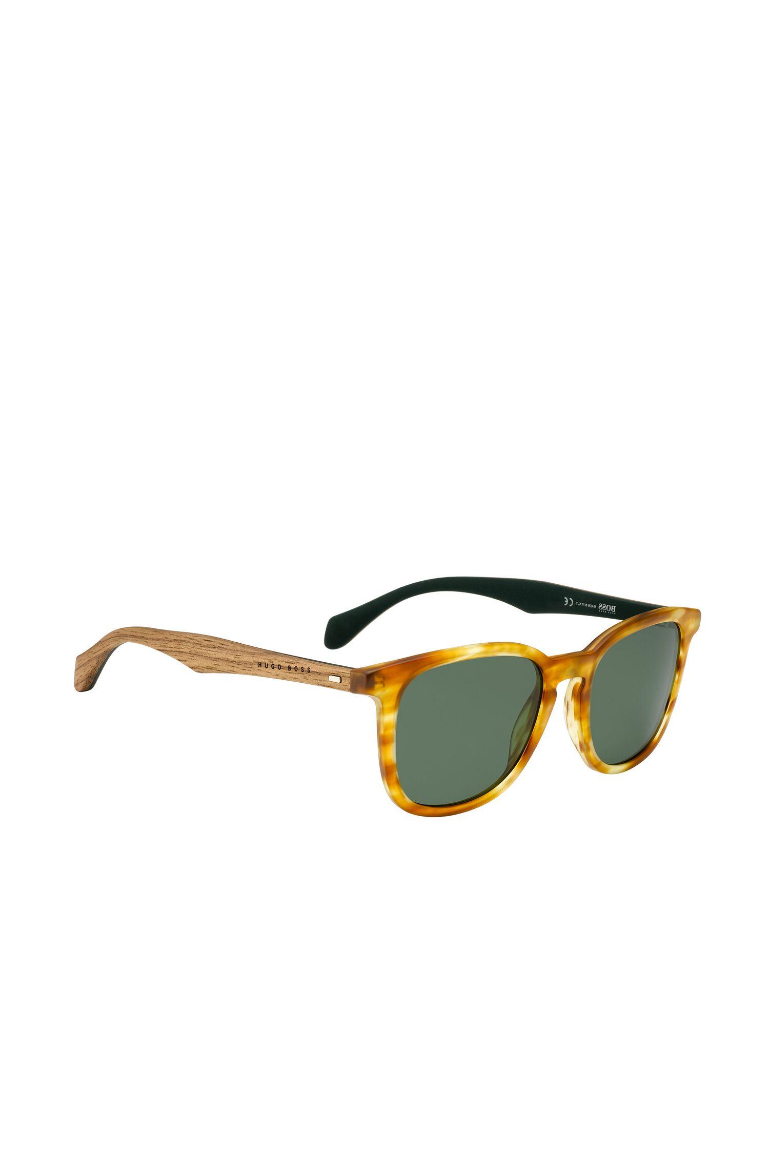 Sonnenbrille mit gemusterter Vollrandfassung und Holzbügeln: 'BOSS 0843/S'