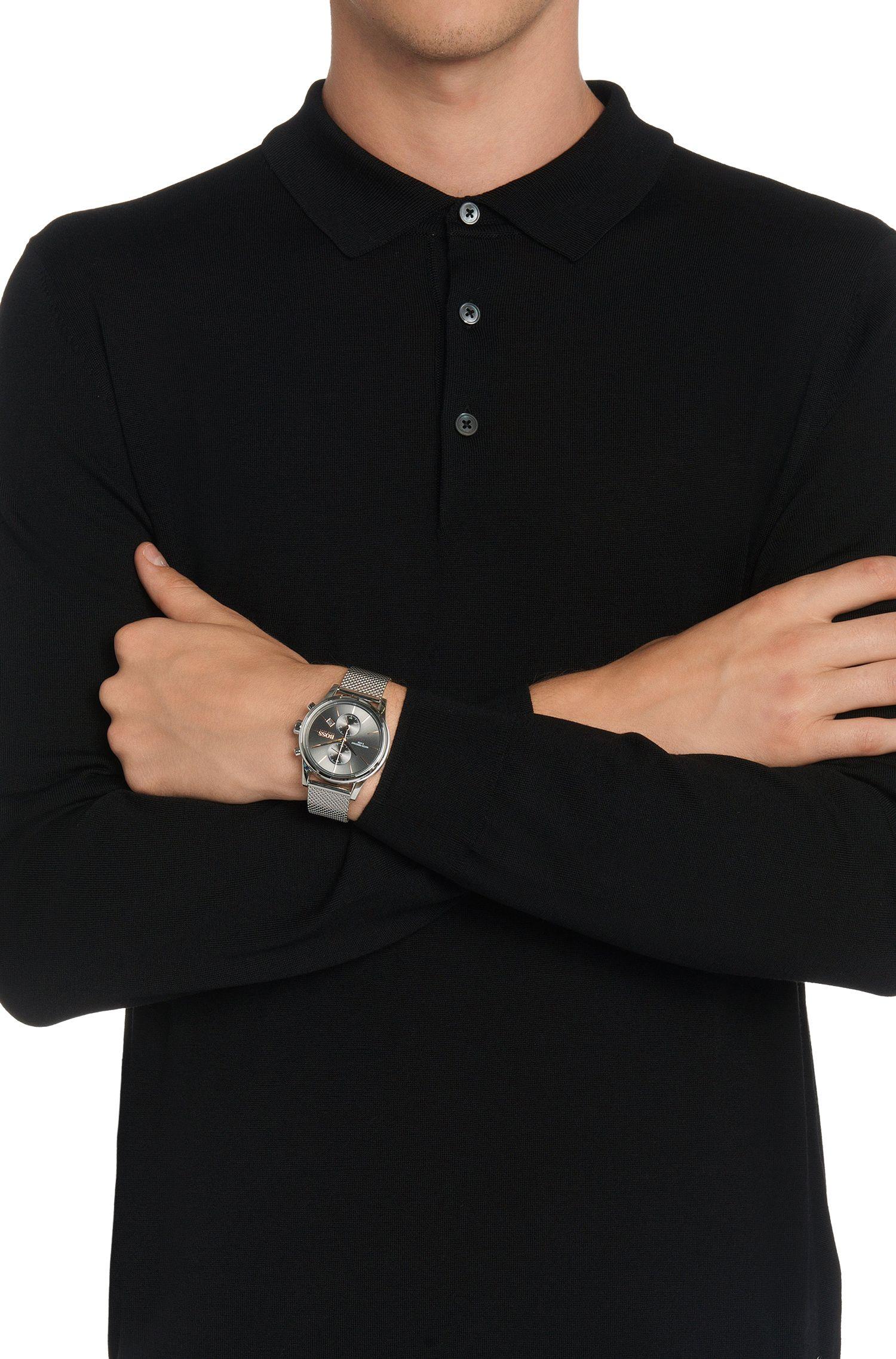 Chronographe en acier inoxydable pourvu d'un bracelet milanais: «Jet»