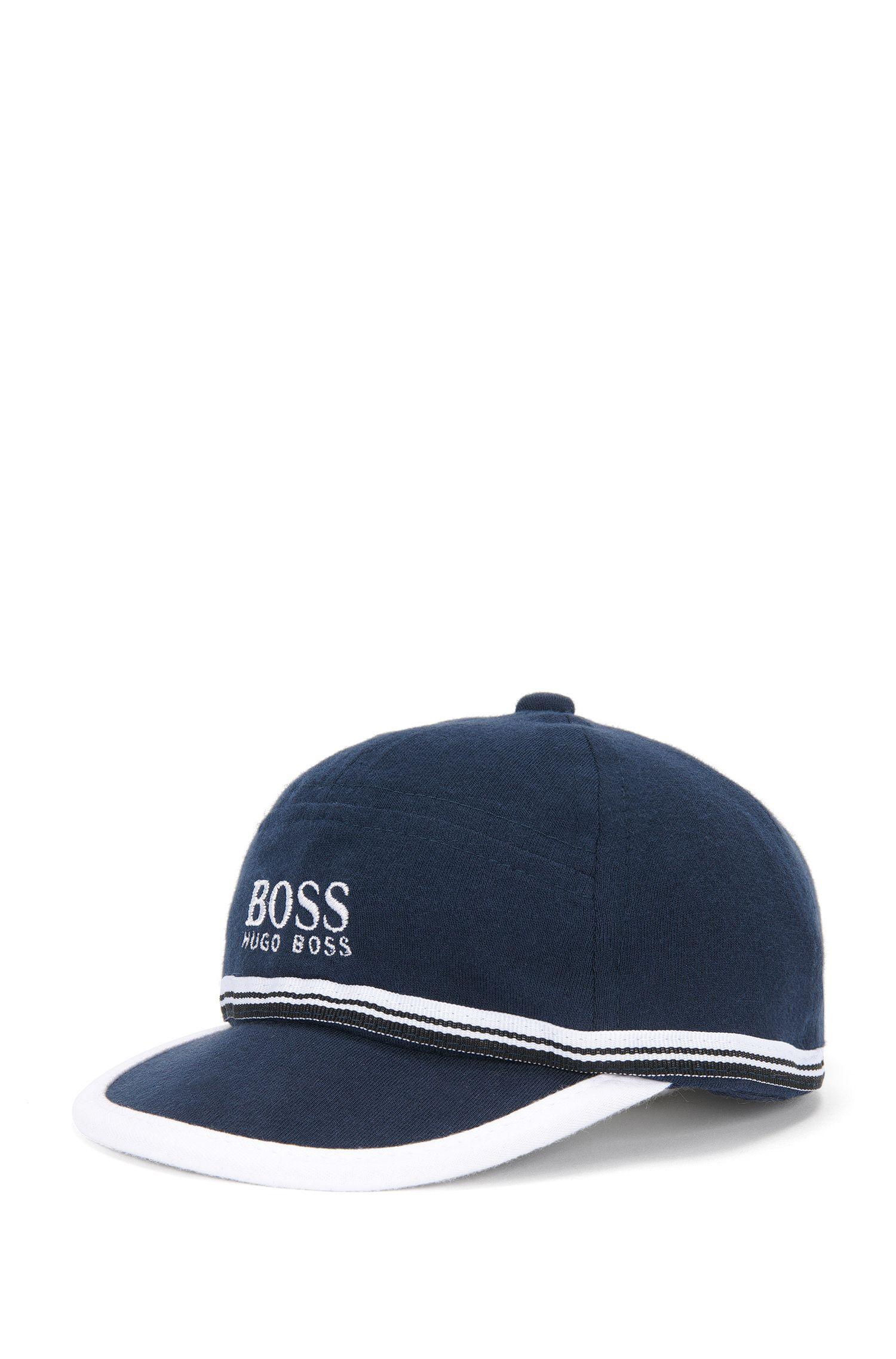 Newborns' cap in cotton with a piped peak: 'J91065'