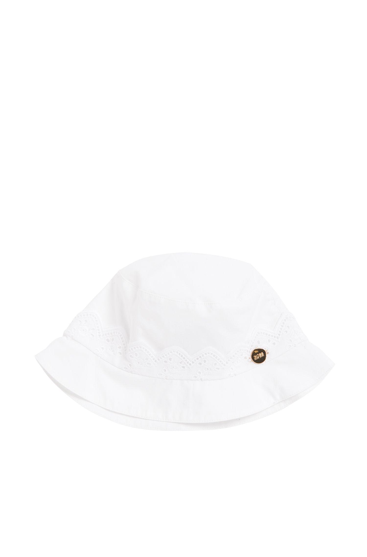 Plain newborn hat in cotton with a logo appliqué: 'J91068'
