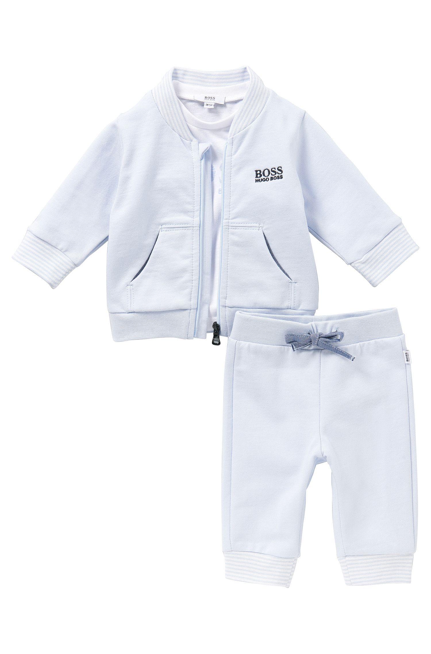 Ensemble pour bébés composé d'un blouson sweat, d'un pantalon et d'un t-shirt manches longues: «J98132»