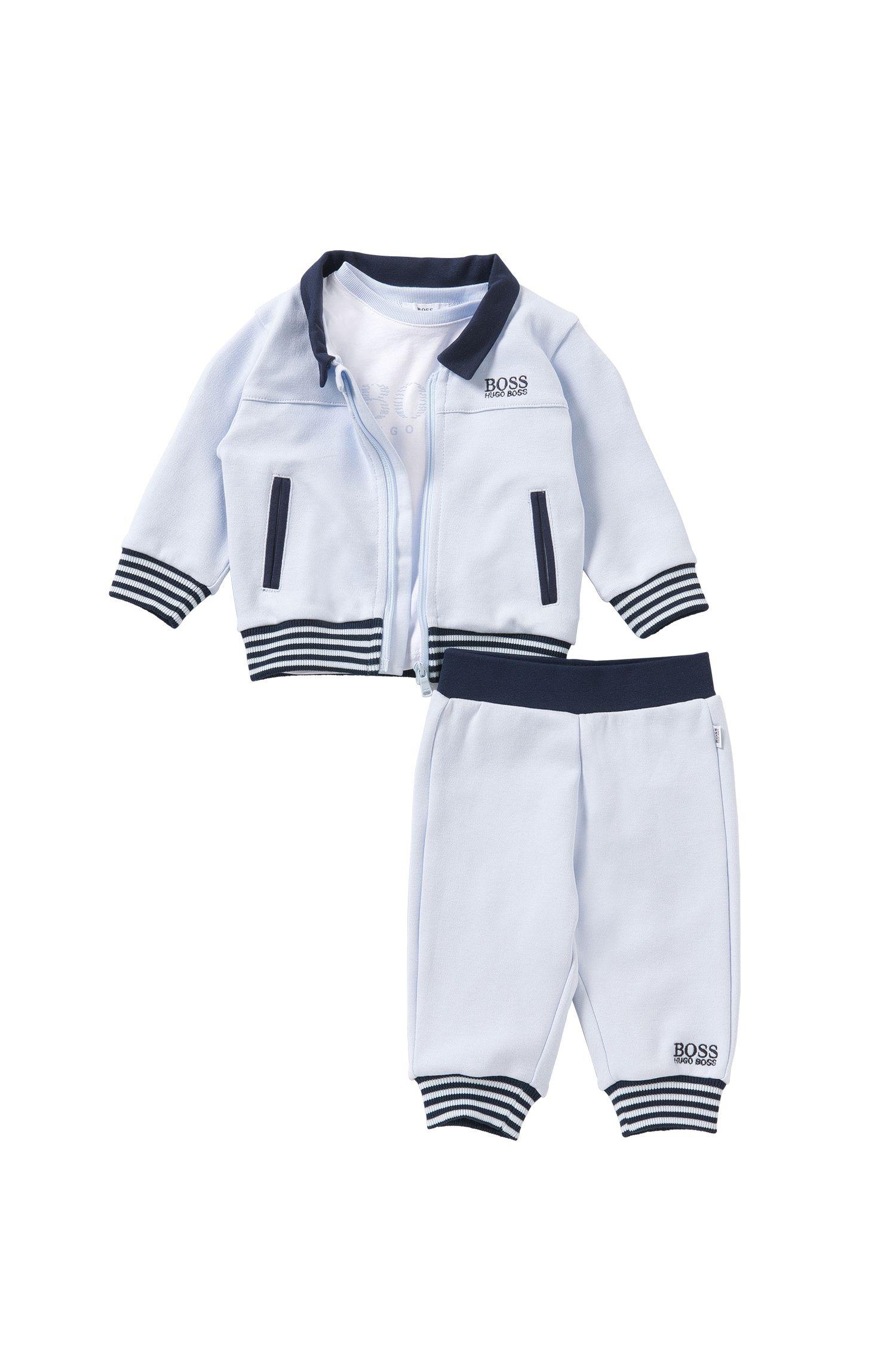 Ensemble pour bébé composé d'un blouson sweat, d'un t-shirt et d'un pantalon: «J98149»