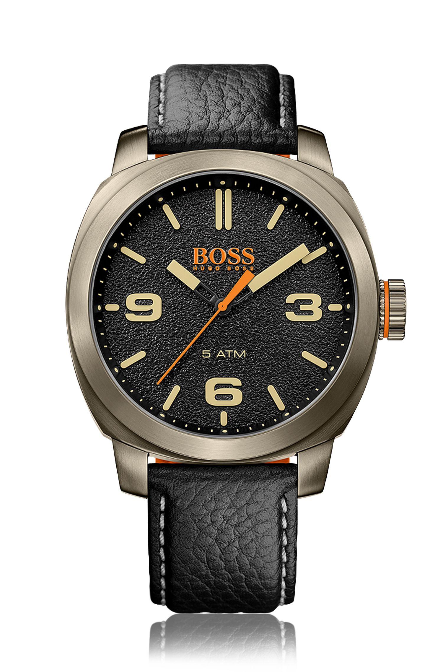 '1513409' | Grained Leather Strap Quartz Watch