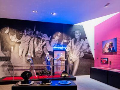 Installation Vitra Design Museum: Night Fever. Designing Club Culture 1960 – today