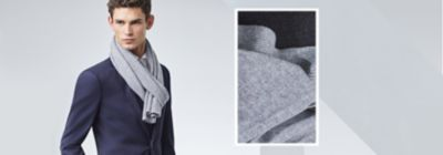 BOSSのダークブルーのスーツとグレーのスカーフ