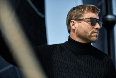 get to know alex thomson