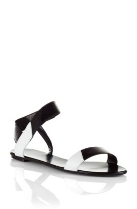 Calfskin and cowhide leather sandal 'Liza', Black