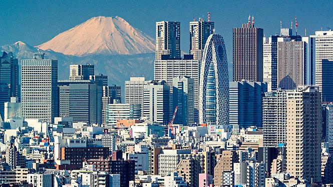 东京一日游 刘易斯·汉密尔顿带您游览 - eMAG HUGO BOSS