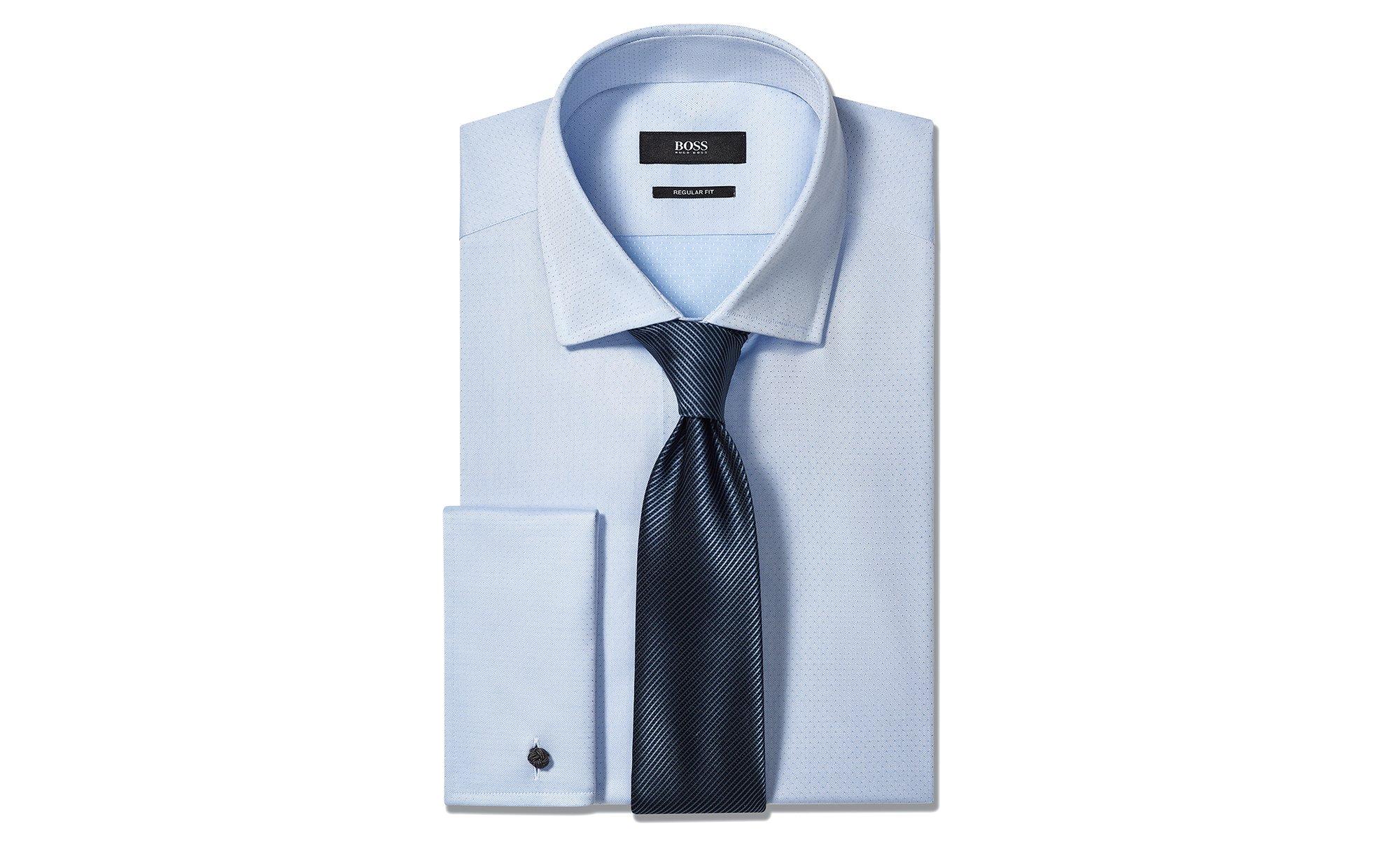 Blaues Hemd und Krawatte von BOSS