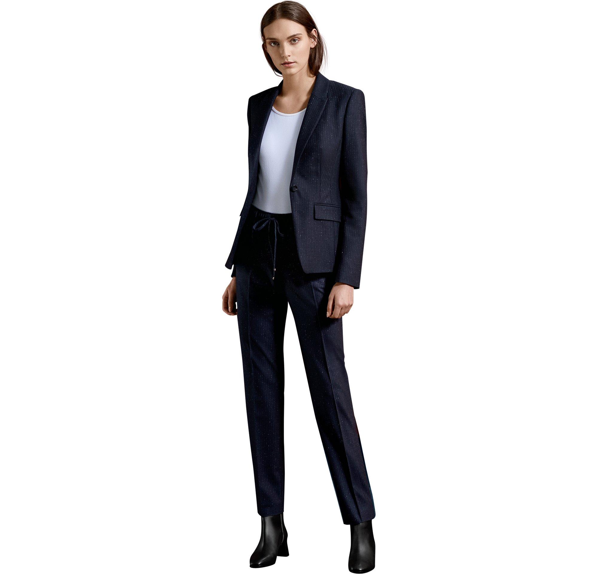 BOSS_Women_CTG_FW17_Look_36,