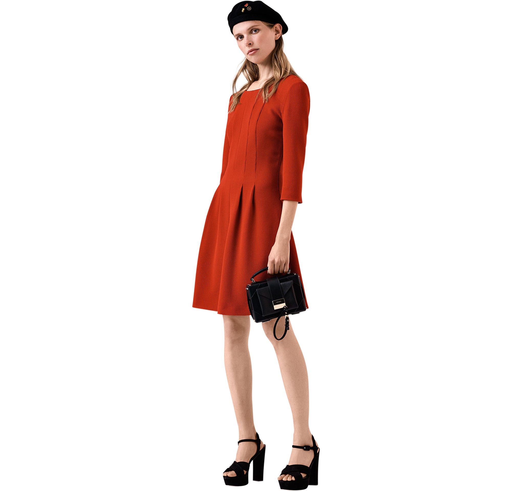 BOSS_ORANGE_Women_PS18_Look_23,