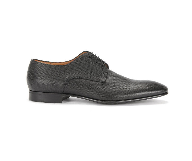 Black business shoes by BOSS