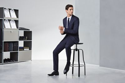 Navy suit look with black shoes by BOSS