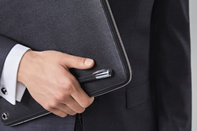 De essentiële zakelijke accessoires voor heren