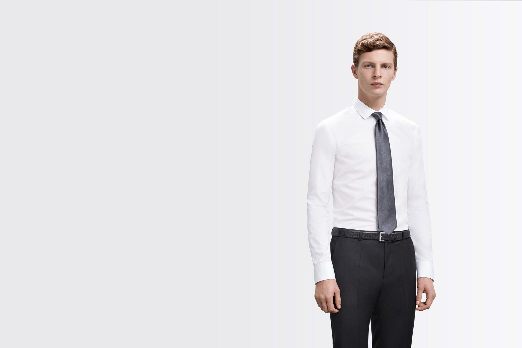 Weißes Hemd mit Extra Slim-Fit und graue Krawatte von BOSS