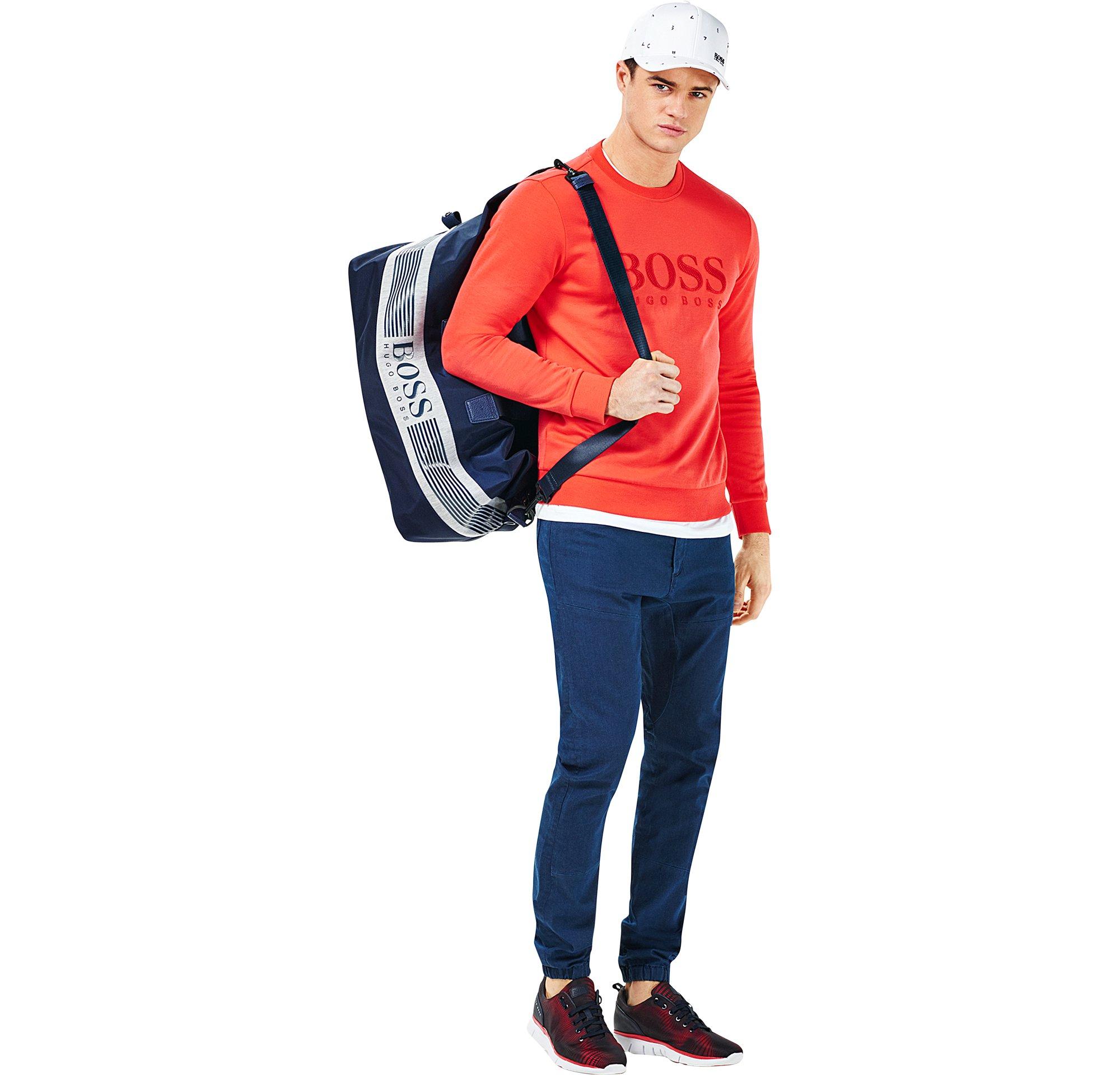 Jersey, Jeans, Schuhe, Cap und Tasche von BOSS Green Menswear