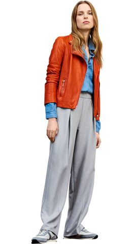 BOSS_ORANGE_Women_PS17_Look_24,