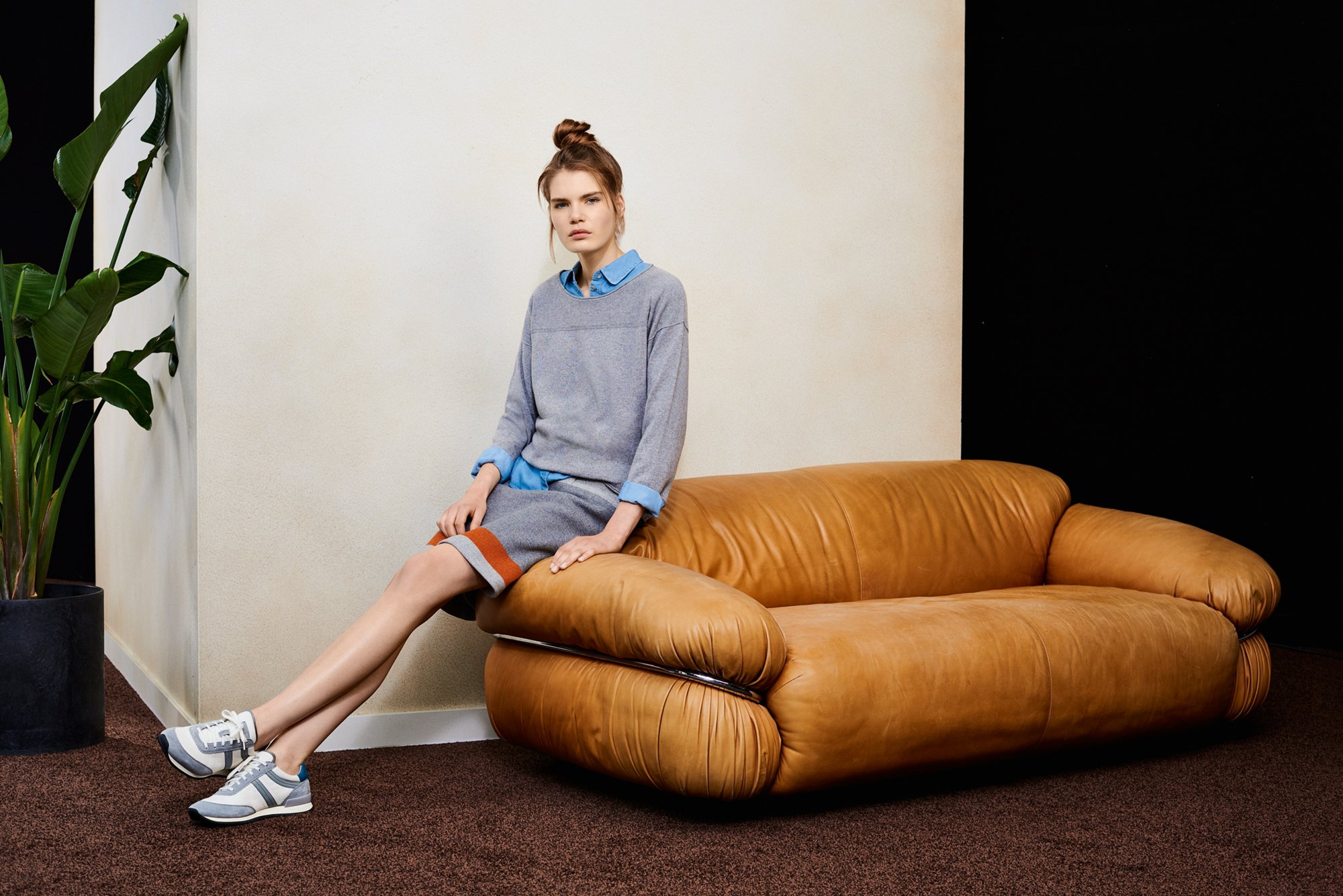 Pullover, Hemd, Rock und Sneakers von BOSS Orange Women