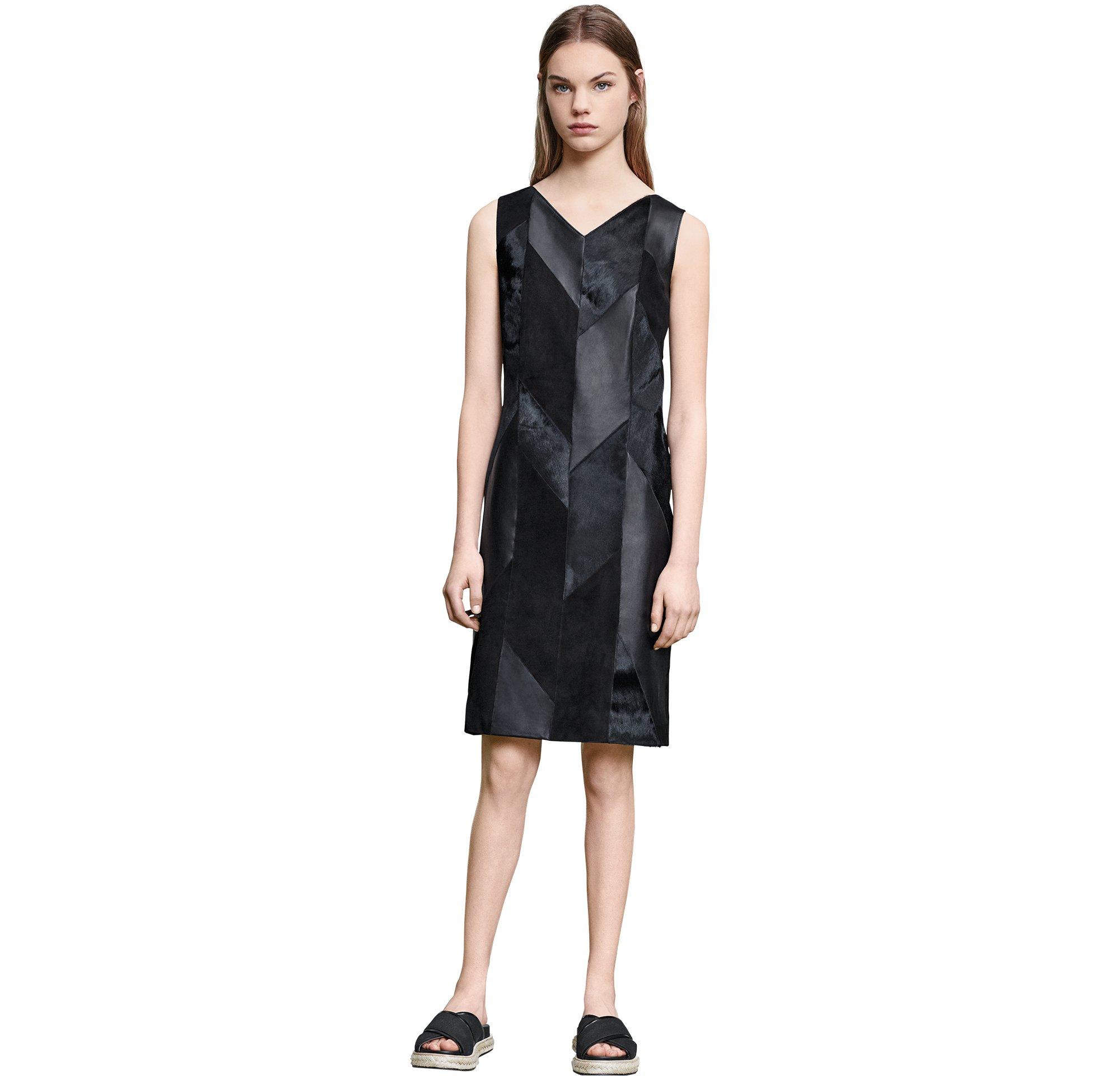 Lederkleid, Tasche und Schuhe von BOSS Womenswear