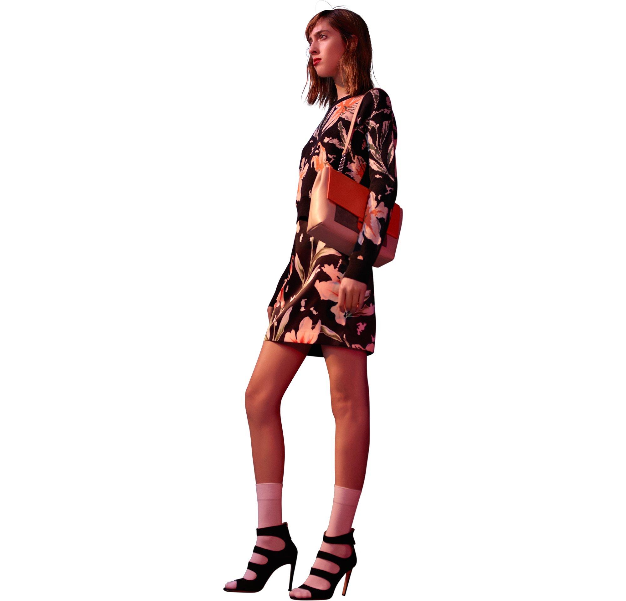 Kleid und Tasche von HUGO Womenswear