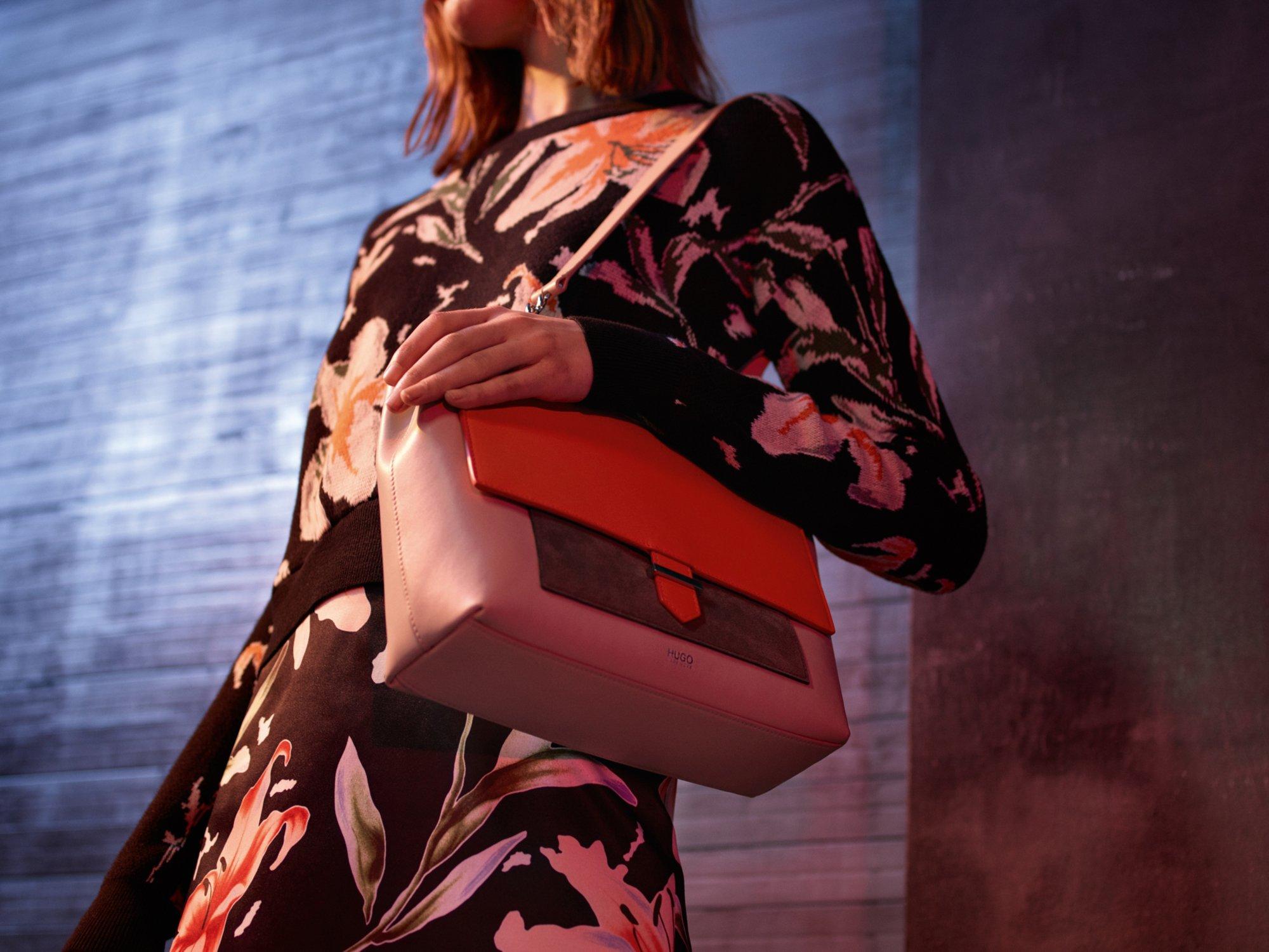 Strick, Rock und Tasche von HUGO Womenswear