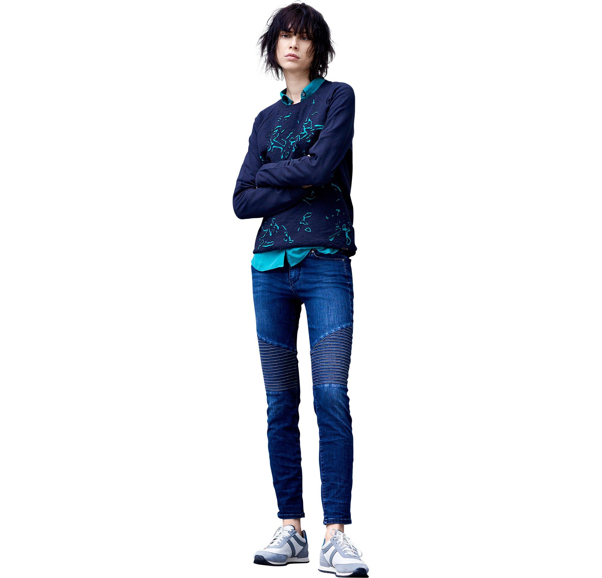 Pullover und Jeans von BOSS Orange