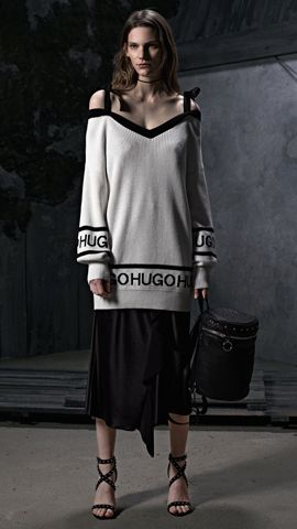 HUGO_Women_PS18_Look_22,
