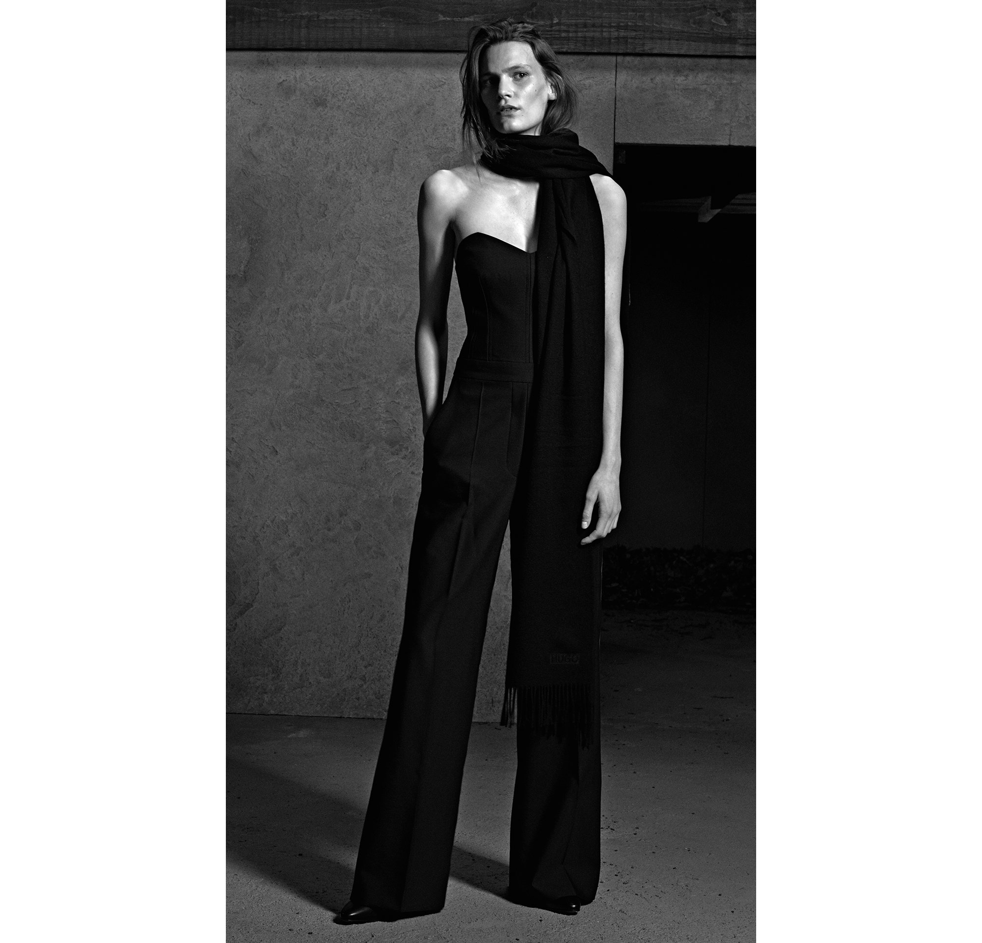 HUGO_Women_PS18_Look_36,