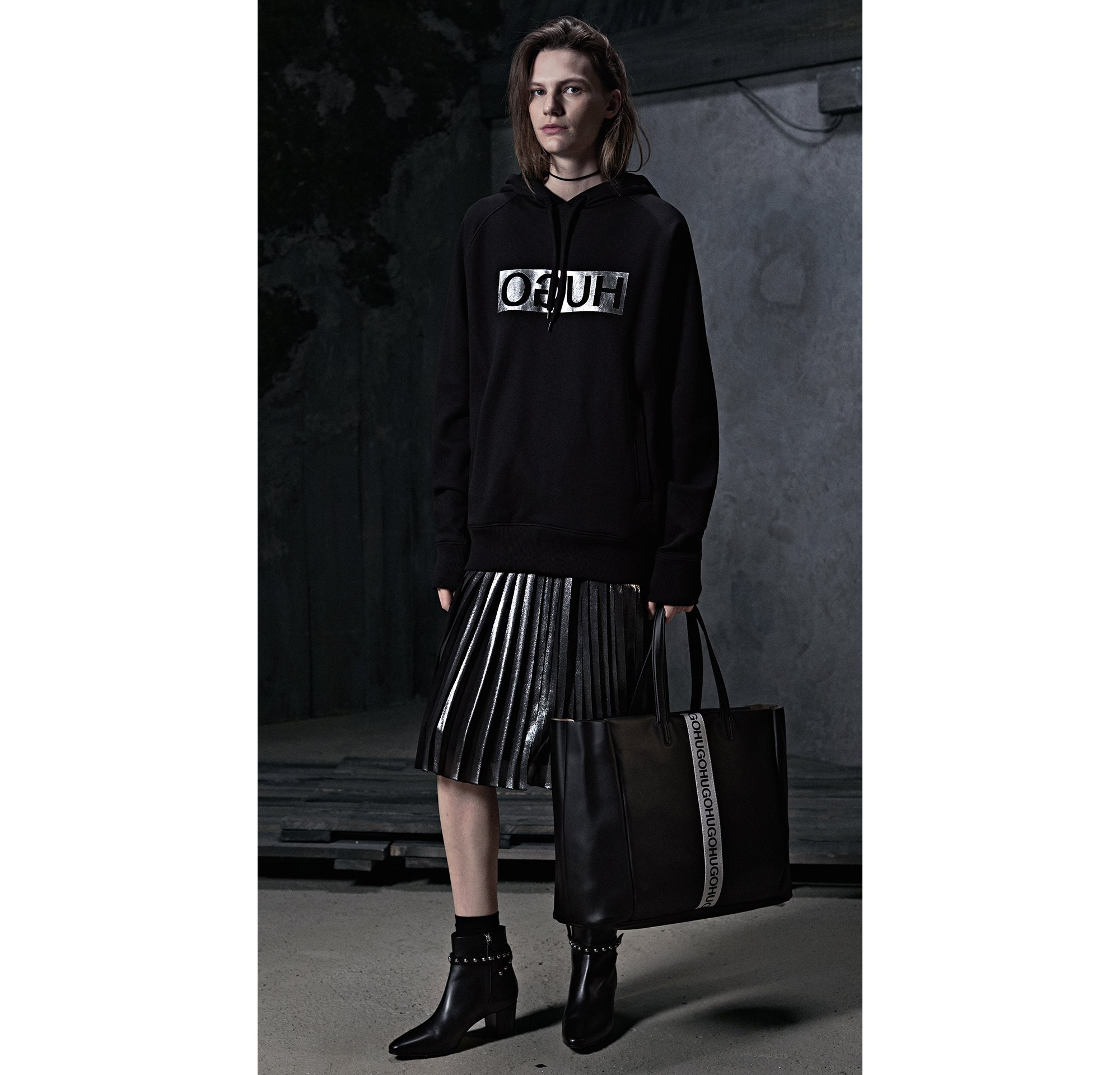 HUGO_Women_PS18_Look_43,