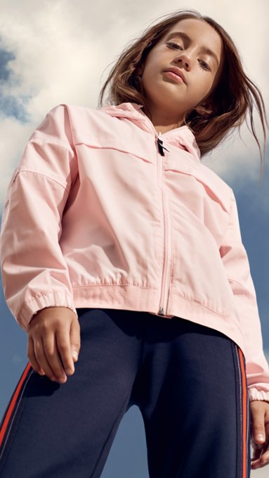 1fd4252a2 Novedosa moda infantil para niños creada por HUGO BOSS