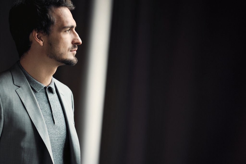 """28385625b """"With BOSS Made for Me, you don't have to settle for anything less than the  perfect suit."""" Mats Hummels"""