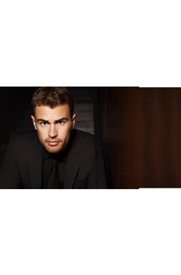 FW17_Fragrances_TheoJames_Look1,
